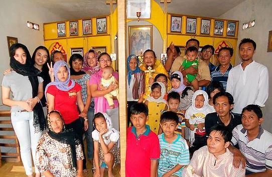 Fr Ioasaph w parishioners