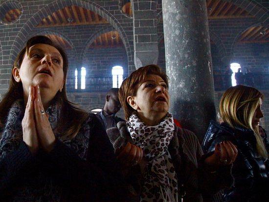 Armenian Muslims turning to Christianity
